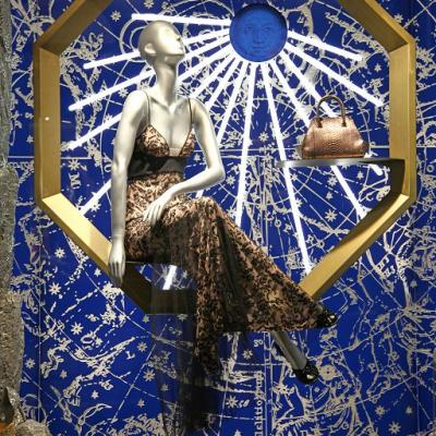 20174la Perla Windows Display